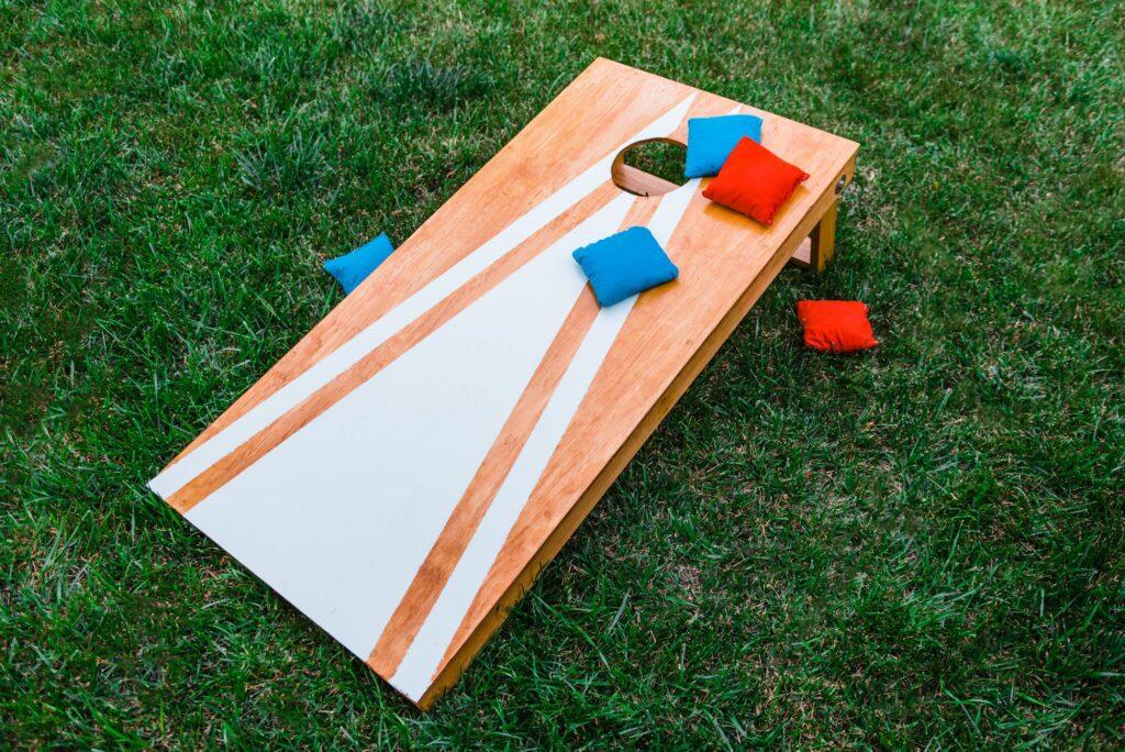 cornhole board